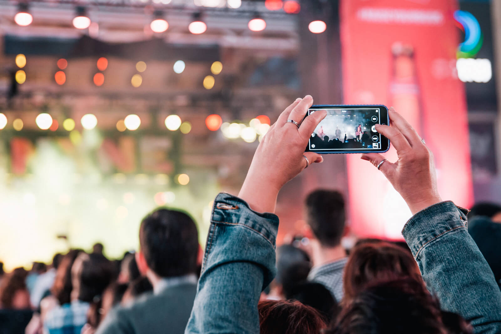 Glastonbury & EE to improve connectivity using a WiFi network powered by 5G